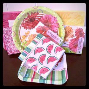 🆕🎉celebration bundle paper plates & napkins